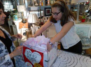 rna-removiendo-papeletas-dia-de-la-madre-2016